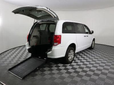 Commercial Wheelchair Vans for Sale - 2019 Dodge Grand Caravan SE ADA Compliant Vehicle VIN: 2C4RDGBG9KR728598