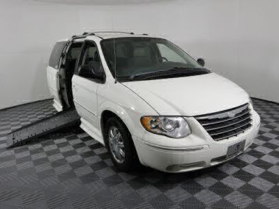 Handicap Van for Sale - 2005 Chrysler Town & Country Limited Wheelchair Accessible Van VIN: 2C8GP64L55R429292
