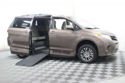 Commercial Wheelchair Vans for Sale - 2018 Toyota Sienna XLE ADA Compliant Vehicle VIN: 5TDYZ3DC3JS940631