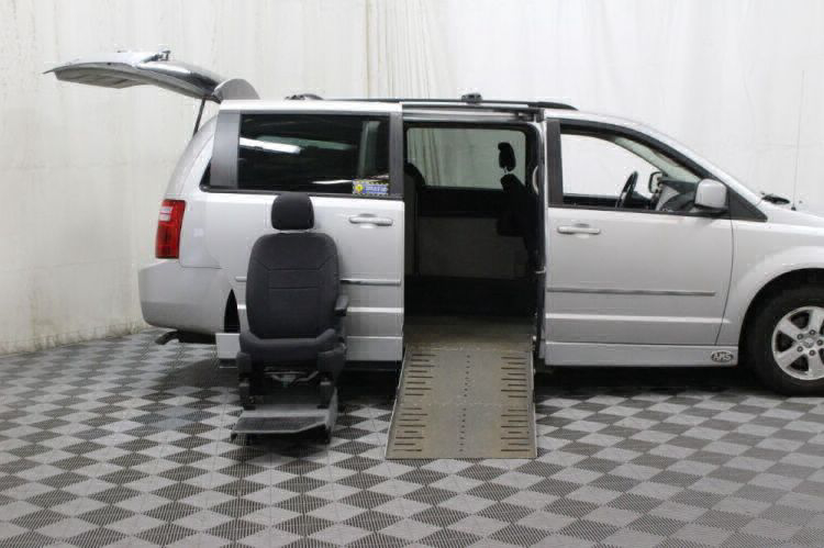 2010 Dodge Grand Caravan SXT Wheelchair Van For Sale #11