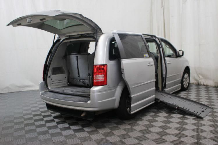 2010 Chrysler Town and Country LX Wheelchair Van For Sale #3