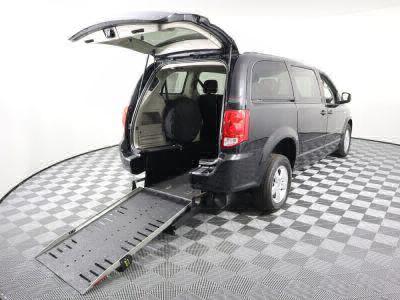 Commercial Wheelchair Vans for Sale - 2013 Dodge Grand Caravan SXT ADA Compliant Vehicle VIN: 2C4RDGCG3DR551063