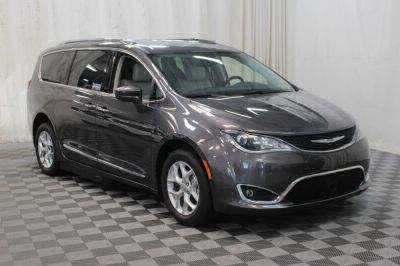 2017 Chrysler Pacifica Wheelchair Van For Sale -- Thumb #4