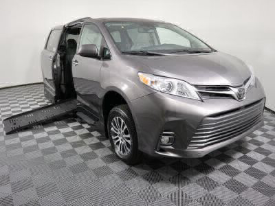 Handicap Van for Sale - 2019 Toyota Sienna XLE Wheelchair Accessible Van VIN: 5TDYZ3DC6KS972782