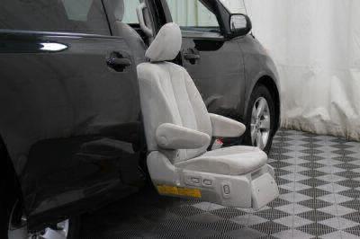 2014 Toyota Sienna Wheelchair Van For Sale -- Thumb #34