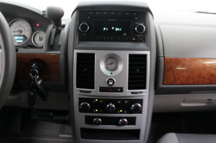 2009 Chrysler Town and Country LX Wheelchair Van For Sale #15