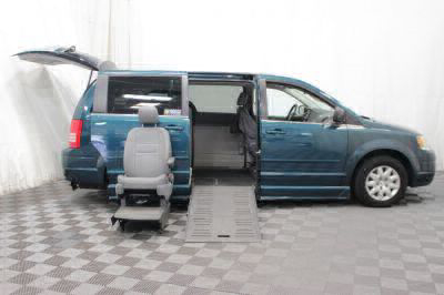 2009 Chrysler Town and Country Wheelchair Van For Sale -- Thumb #15