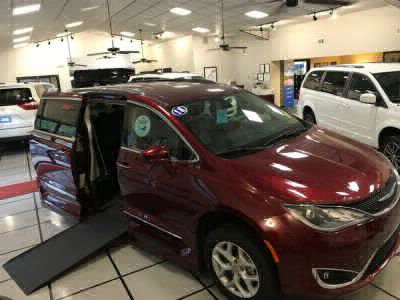 Handicap Van for Sale - 2018 Chrysler Pacifica Touring L Wheelchair Accessible Van VIN: 2C4RC1BGXJR130633
