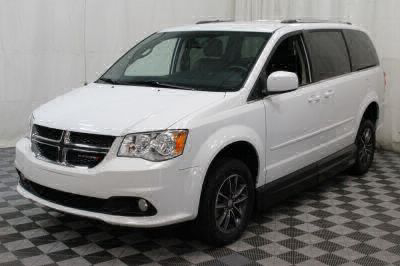 2017 Dodge Grand Caravan Wheelchair Van For Sale -- Thumb #17