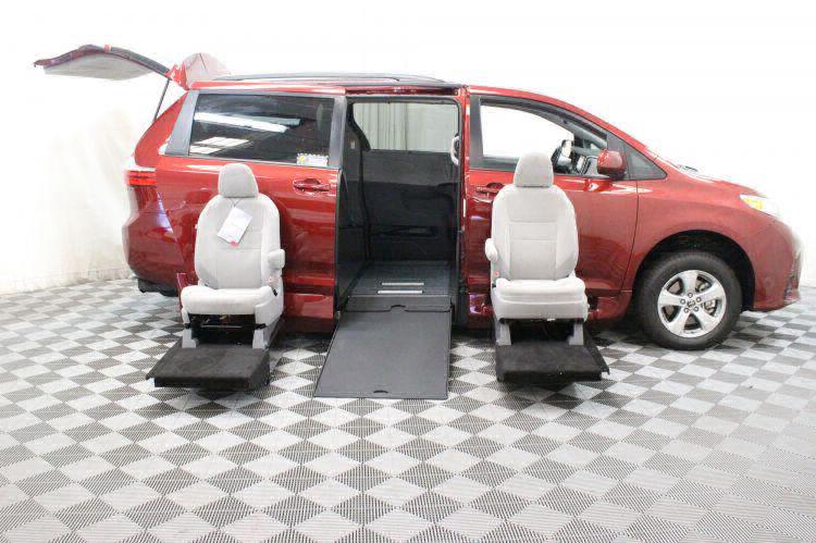 2018 Toyota Sienna LE Wheelchair Van For Sale #13