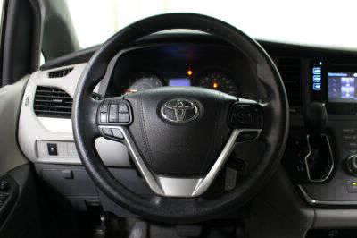 2016 Toyota Sienna Wheelchair Van For Sale -- Thumb #13