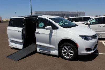 Handicap Van for Sale - 2018 Chrysler Pacifica Touring L Wheelchair Accessible Van VIN: 2C4RC1BG0JR204027