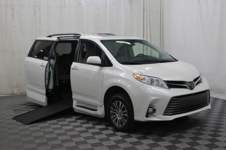 2019 Toyota Sienna XLE Wheelchair Van For Sale #1