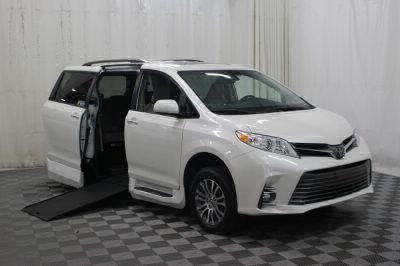 Commercial Wheelchair Vans for Sale - 2019 Toyota Sienna XLE ADA Compliant Vehicle VIN: 5TDYZ3DC8KS966062