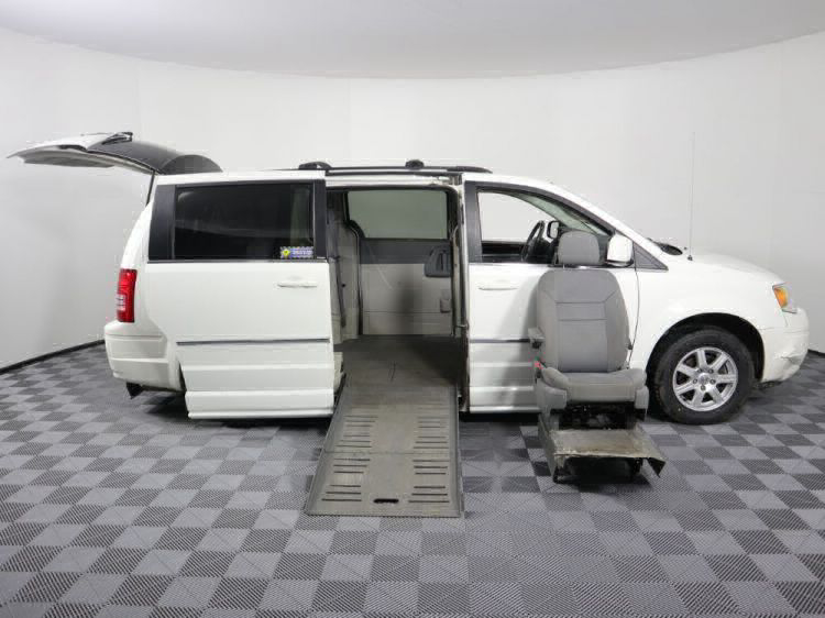2010 Chrysler Town and Country Touring Wheelchair Van For Sale #32