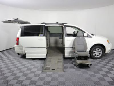 2010 Chrysler Town and Country Wheelchair Van For Sale -- Thumb #32