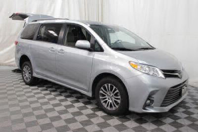 2019 Toyota Sienna Wheelchair Van For Sale -- Thumb #4