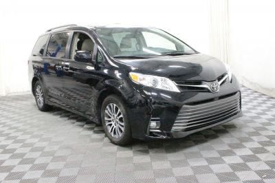 Commercial Wheelchair Vans for Sale - 2018 Toyota Sienna XLE ADA Compliant Vehicle VIN: 5TDYZ3DC6JS909048