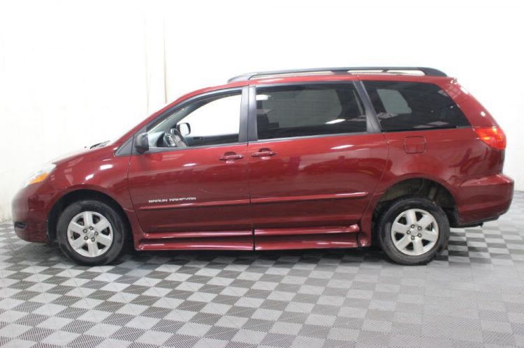 2010 Toyota Sienna LE Wheelchair Van For Sale #19