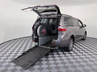 Commercial Wheelchair Vans for Sale - 2018 Toyota Sienna XLE ADA Compliant Vehicle VIN: 5TDYZ3DC4JS920436