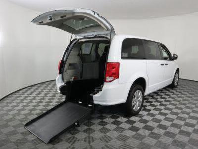 Commercial Wheelchair Vans for Sale - 2019 Dodge Grand Caravan SE ADA Compliant Vehicle VIN: 2C4RDGBG1KR777312
