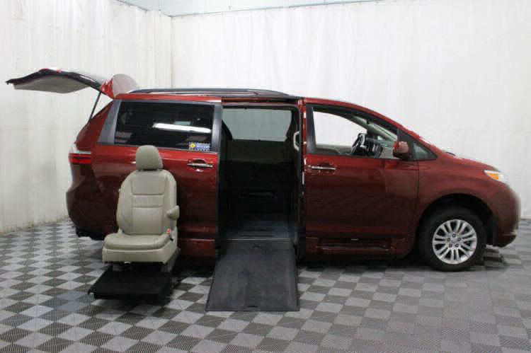 2016 Toyota Sienna XLE Wheelchair Van For Sale #9