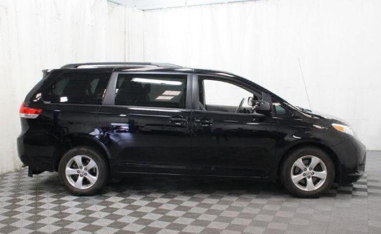 2014 Toyota Sienna LE Wheelchair Van For Sale #5