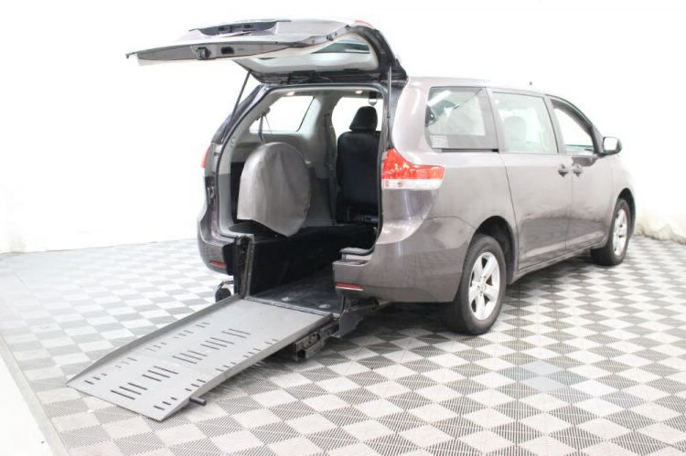2014 Toyota Sienna L Wheelchair Van For Sale #1