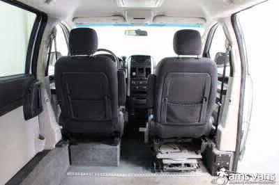2010 Dodge Grand Caravan Wheelchair Van For Sale -- Thumb #5