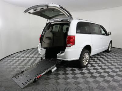 Commercial Wheelchair Vans for Sale - 2019 Dodge Grand Caravan SXT ADA Compliant Vehicle VIN: 2C4RDGCG7KR750002