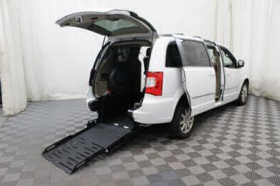Commercial Wheelchair Vans for Sale - 2016 Chrysler Town & Country Touring ADA Compliant Vehicle VIN: 2C4RC1BG5GR158025