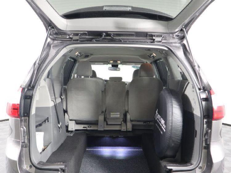 2018 Toyota Sienna LE Wheelchair Van For Sale #10