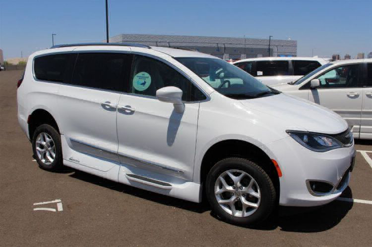 2018 Chrysler Pacifica Touring L Wheelchair Van For Sale #29