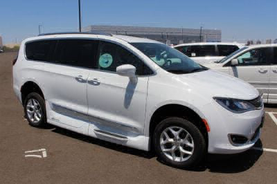 2018 Chrysler Pacifica Wheelchair Van For Sale -- Thumb #29