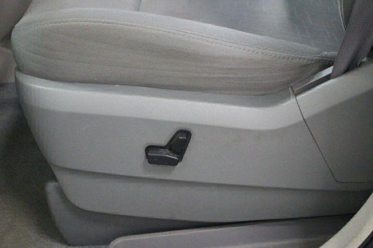 2009 Volkswagen Routan SE Wheelchair Van For Sale #20