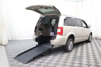 Commercial Wheelchair Vans for Sale - 2014 Chrysler Town & Country Touring-L ADA Compliant Vehicle VIN: 2C4RC1CG5ER463875