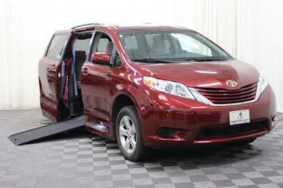 Commercial Wheelchair Vans for Sale - 2015 Toyota Sienna LE ADA Compliant Vehicle VIN: 5TDKK3DC8FS579334