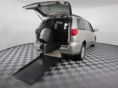 Used Wheelchair Van for Sale - 2008 Toyota Sienna XLE Wheelchair Accessible Van VIN: 5TDZK22C48S101913