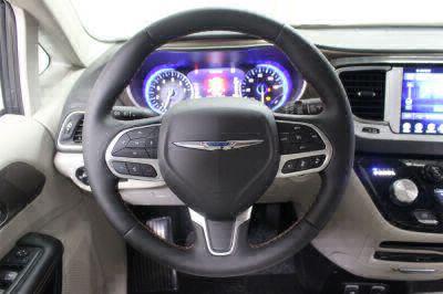 2017 Chrysler Pacifica Wheelchair Van For Sale -- Thumb #16