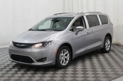 2017 Chrysler Pacifica Wheelchair Van For Sale -- Thumb #39