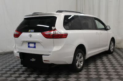 2015 Toyota Sienna Wheelchair Van For Sale -- Thumb #29