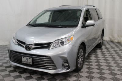 2019 Toyota Sienna Wheelchair Van For Sale -- Thumb #32