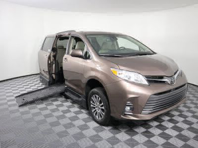 Handicap Van for Sale - 2019 Toyota Sienna XLE Wheelchair Accessible Van VIN: 5TDYZ3DC4KS003806
