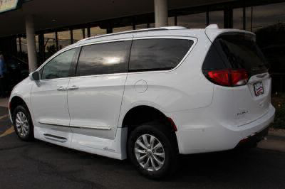 2018 Chrysler Pacifica Wheelchair Van For Sale -- Thumb #7