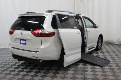 2019 Toyota Sienna Wheelchair Van For Sale -- Thumb #2