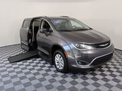 Handicap Van for Sale - 2018 Chrysler Pacifica Touring L Wheelchair Accessible Van VIN: 2C4RC1BG3JR118954