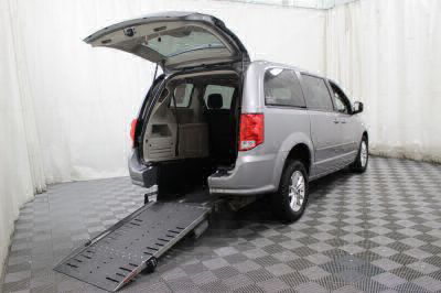 Commercial Wheelchair Vans for Sale - 2016 Dodge Grand Caravan SXT ADA Compliant Vehicle VIN: 2C4RDGCG4GR379243