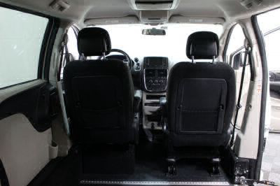 2015 Dodge Grand Caravan Wheelchair Van For Sale -- Thumb #7