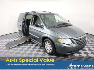 Handicap Van for Sale - 2007 Chrysler Town & Country Touring Wheelchair Accessible Van VIN: 2A4GP54L17R283529