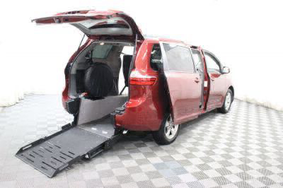 Commercial Wheelchair Vans for Sale - 2017 Toyota Sienna LE ADA Compliant Vehicle VIN: 5TDKZ3DC5HS833029